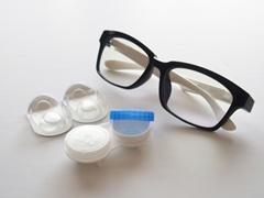 メガネとコンタクト2